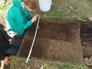 Recording and Mapping finds at the Linn Site Excavation